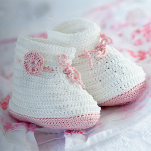 PR crocheted baby's booties to make - Free crochet patterns - Craft - allaboutyou.com