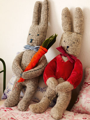 Sew an Easter bunny :: Free soft toy sewing pattern :: Toys to make ...