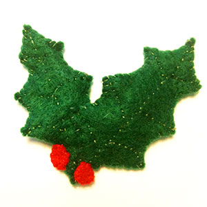 Holly leaf hair clip or brooch - Christmas crafts - allaboutyou.com
