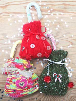 Knit Christmas gift bags :: Christmas crafts :: Free Christmas ...
