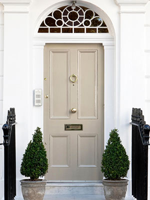 Dulux Cameo silk beige front door paint - front door colours - home decor ideas - & Front doors: decorating tips :: Decorating ideas :: allaboutyou.com Pezcame.Com