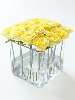 259 & How to arrange roses in a square glass vase :: Easy flower ...