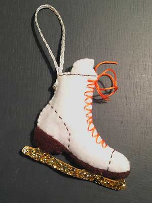 make an ice skate christmas decoration free sewing pattern