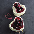 Mini heart-shaped blueberry cheesecakes - Valentines dessert recipes - food - allaboutyou.com